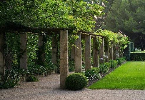 Merveilleux Covered Garden Walkway
